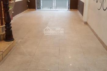 Cho thuê nhà riêng 68m2 x 5 tầng, 20tr/tháng ngõ 885 Tam Trinh