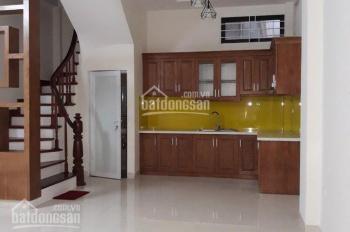 Cho thuê nhà Võng Thị, 32m2 x 5 tầng, 3 phòng ngủ, 10 triệu/tháng