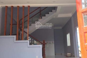 Cho thuê nhà Phường Bình Trưng Tây Q2. DT 90m2 1 trệt 2 lầu sân thượng 4 PN giá 15 tr/th 0937334693