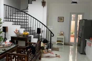 Cho thuê nhà riêng ngõ 158 Ngọc Hà DT 50m2 x 5T, 3PN, đủ đồ, giá 20 triệu/tháng