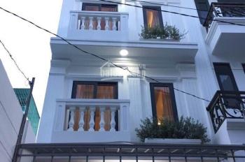 Cần tiền bán gấp nhà HXH 5m 68/Út Tịch khu Đệ Nhất khách sạn. Nhà đẹp như những homestay nổi tiếng
