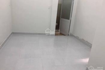 Cho thuê nhà đường Lạc Long Quân P14 Q11 đường 4m hẻm thông 3,5m x 11m 2 lầu 3PN giá 7 triệu/th