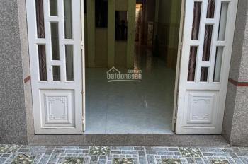 Cho thuê nhà 1T 2L 4PN hẻm 12 đường Nguyễn Khoái, Quận 4 giá 16 triệu/tháng