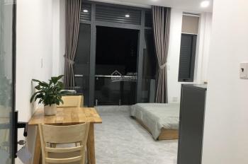 Căn hộ mini mới xây có thang máy full nội thất, hẻm xe hơi 489 Huỳnh Văn Bánh, giáp bờ kè Trường Sa