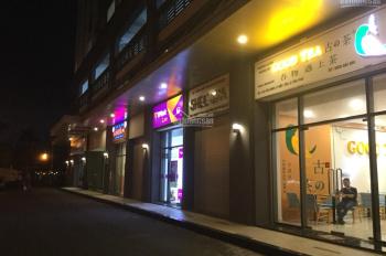 Kẹt tiền bán lỗ nhanh trong tuần căn shop đường Hòa Bình, đang cho thuê 35tr/tháng. LH: 0909902442