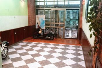 Cho thuê nhà nguyên căn ngõ 29 phố Võng Thị, Tây Hồ, HN