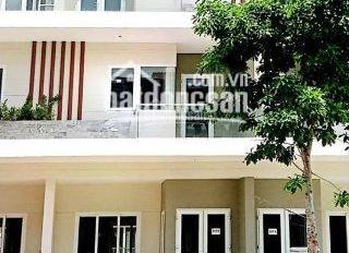 Bán nhà phố Rio Vista DT 5*15m, giá 5,4 tỷ/căn - hỗ trợ vay 70% - LH 0989545291 Giang