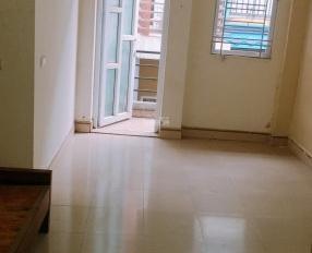 Cho thuê phòng trọ Phú Đô - Mỹ Đình, DT 22m2 có ban công nhà đẹp giá 2,3tr/tháng - giờ giấc tự do