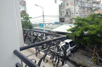 Hàng hiếm! Bán nhà riêng đẹp 3 tầng lô góc 2 mặt tiền đường Hà Đông, khu dân trí cao, sát biển NTT