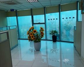 Cho thuê sàn văn phòng 110 m2 - Vị trí góc đẹp tại tòa nhà Hồ Gươm Plaza, có sẵn nội thất