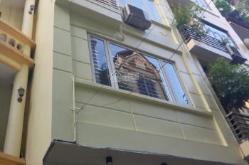 Cho thuê căn nhà 5 tầng 15 triệu, ngõ 93 đường Hoàng Quốc Việt, DT 50m2 x 5 tầng ngõ rộng đi ô tô