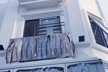 Bán nhà 32m2 xây 5 tầng tại Thạch Bàn ô tô cách nhà 10m hướng Đông Nam thoánh mát giá chỉ 1,9 tỷ