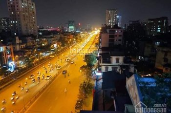 Bán tòa nhà thương mại, mặt phố Giải Phóng, phố Vọng. Hợp đồng thuê 150tr/th