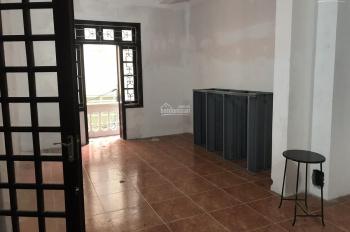 Cho thuê nhà riêng phố Tôn Đức Thắng 90m2 x 5 tầng, 2 mặt tiền 7.5m, mỗi tầng 2P, giá 27.5 triệu/th