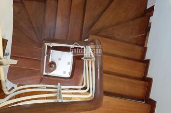 Em chính chủ căn nhà lô góc 30m2 x 5 tầng mới hoàn thiện, ô tô đỗ sát nhà cần bán! LH: 0333778888
