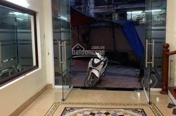 Cho thuê nhà ngõ ô tô Kim Mã 70m2, 4 tầng 15tr/th