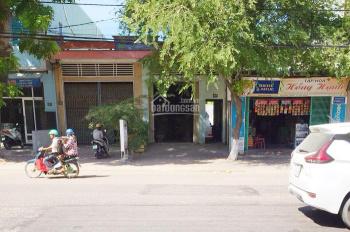 Bán nhà mặt tiền đường Hùng Vương, thành phố Quy Nhơn, ngay ngã ba Ông Thọ. Liên hệ 0906147797