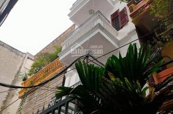 Nhà đẹp 5 tầng, 60m2, mặt tiền rộng phố Nguyễn Khang, gần ô tô, ngõ thẳng sạch đẹp, sổ vuông đét