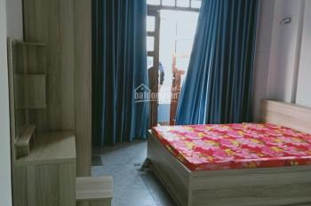 Cần cho thuê nhà MT Phan Xích Long, 1 trệt, 4 lầu, 10 phòng, 70 triệu/tháng