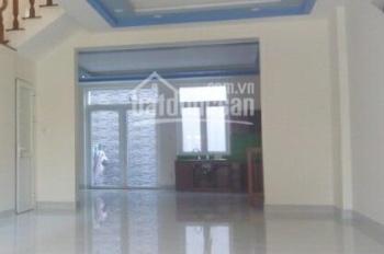 Cho thuê nhà 8B Bàu Cát, khu sầm uất, tập trung nhiều VPCT, KD đa ngành nghề, DT: 4x20m
