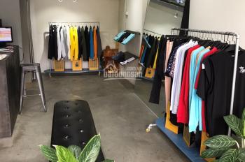 Hk075 - cần sang shop thời trang nam doanh thu trung bình 60 triệu/tháng