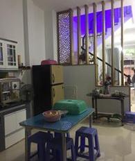 Nhà mới, ở ngay Phú Nhuận, hẻm 7m, giá chỉ 6.55 tỷ cực hiếm mặt tiền ngang gần 5m. LH 0933639350