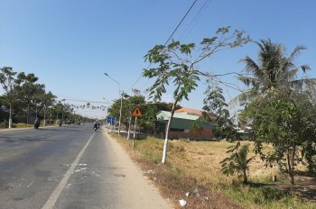Bán 2 lô đất thổ cư có sổ hồng, bao công chứng, gần kcn Thuận Đạo. Lh 0906 971 365 Mỹ Ân đi xem