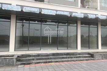 Cần cho thuê gấp căn shop giá 15tr/th Vinhomes Gia Lâm, đã nhận nhà kinh doanh ngay LH: 0975344463