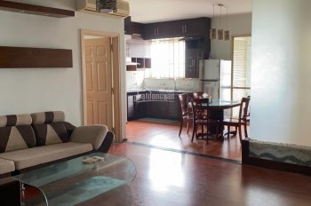 Bán gấp căn hộ chung cư cao tầng CT1 132.6m2, 3 phòng ngủ, giá cực tốt.
