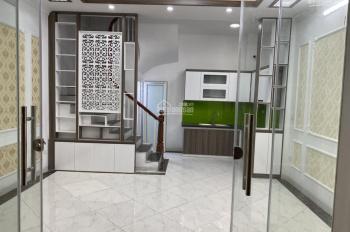 Bán nhà DT 35m2 * 5T xây mới tinh, ngõ Hòa Bình 7, Minh Khai, ô tô cách nhà 15m, giá 3,05 tỷ