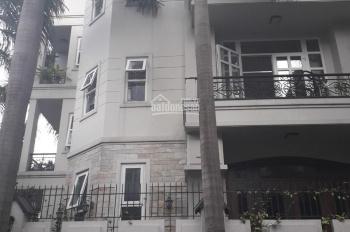 Cho thuê nhà đường C18, khu K300, DT 8x20m, hầm trệt 3 lầu, liên hệ nhé: 0906693900