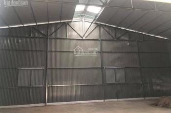 Chính chủ cần cho thuê nhà xưởng mới xây, DT 500m2, ngay ngã tư gầm cầu Thanh Trì, giá 25tr/tháng