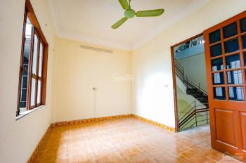 Cho thuê nhà mặt tiền 5m, mặt phố Vạn Phúc - Hà đông