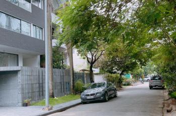 Bán biệt thự Nguyễn Văn Hưởng, Thảo Điền, Q2, DT 10x20m, CN 200m2 trệt 2 lầu nhà rất đẹp, giá 30 tỷ