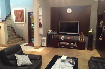 Cho thuê nhà riêng phố Đội Cấn gần Lăng Bác DT 70m2 x 4T, 3PN, đủ đồ, giá 20 triệu/th