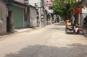 Bán mảnh đất 38m2 gần chợ Thạch Bàn, ô tô vào tận đất