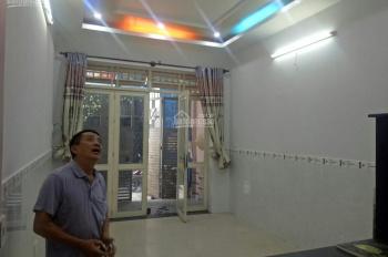 Cho thuê nhà đẹp gần Nguyễn Văn Quá, Q12, 3,8m x 13m, 1 lầu đúc, 2PN, PK, 2WC, bếp rộng, 6 tr/th