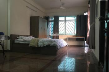 Cho thuê phòng 45m2 đầy đủ nội thất có ban công gần Hàng Xanh