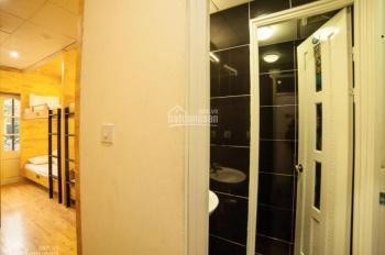 Cho thuê khách sạn khu phố cổ Hoàn Kiếm - Hà Nội, 115m2 * 4,5 tầng = 450m2