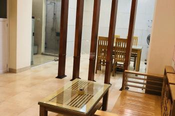 Chính chủ cho thuê căn hộ 2 phòng ngủ đủ đồ 85 m2 phố Khâm Thiên