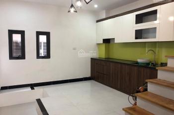 Chính chủ, bán nhà riêng mặt ngõ Vũ Tông Phan. Có thể kinh doanh rất đẹp hoặc làm gara ô tô 7 chỗ