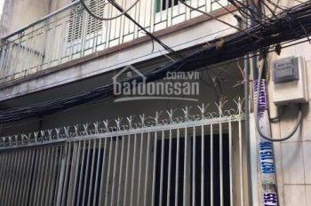 Con đi du học bán gấp nhà nát 70m2/TT 935 SHR, XDTD đường Nguyễn Hữu Thọ, Quận 7, LH 0797948557 Huệ