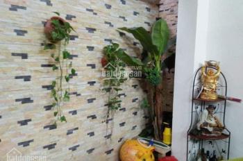 Bán nhà phố Ngọc Lâm, nhà đẹp, diện tích rộng, ô tô, 85 m2, giá 5,85 tỷ, LH: 0949749333