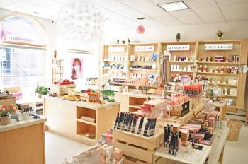 Cửa hàng mặt phố Lò Rèn, Hàng Bồ, Hoàn Kiếm, DT 40m2, MT 5,5m, cho thuê giá 25tr/th. LH 0948435258