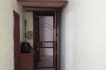 Bán căn hộ chung cư 5 tầng, phòng 406 nhà B Đền Lừ 1 diện tích 52m2 giá 1.05 tỷ. Liên hệ 0982642587