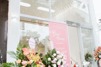 Bán nhà mặt phố Cầu Giấy nhà đẹp hiện đang cho showroom thời trang thuê 100tr/tháng mặt tiền 6.2m