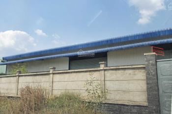 Nhà xưởng cho thuê 1700m2, nhà văn phòng internet điện 3f. Giá 40tr mới xây dựng đường xe container
