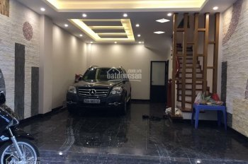 Bán nhà mới 5 tầng, Quang Trung, Hà Đông, DT rộng 32m2, ô tô vào nhà, 2,7 tỷ. 0947546869