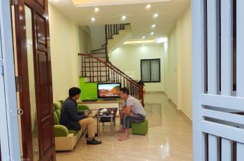 Cần bán gấp nhà 4T * 55m2, sau tòa Nam Đô, Trương Định, ô tô đỗ gần nhà, giá 3,9 tỷ, LH 0969069832