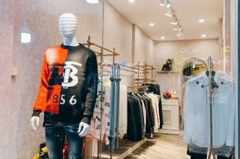Cho thuê cửa hàng tầng 1, mặt phố Hội Vũ, Hoàn Kiếm, DT 30m2, MT 2,8m, giá chỉ 12tr/th. 0948435258